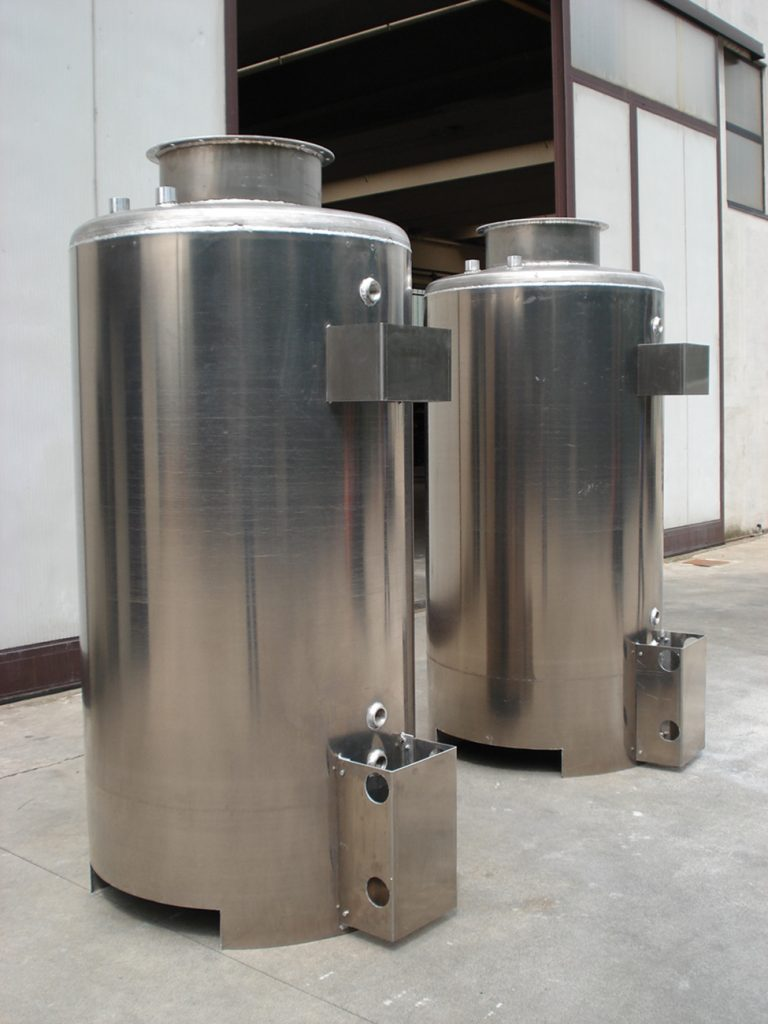 MOVEABLE ALUMINIUM INDOOR TANKS FOR LIQUIDS -