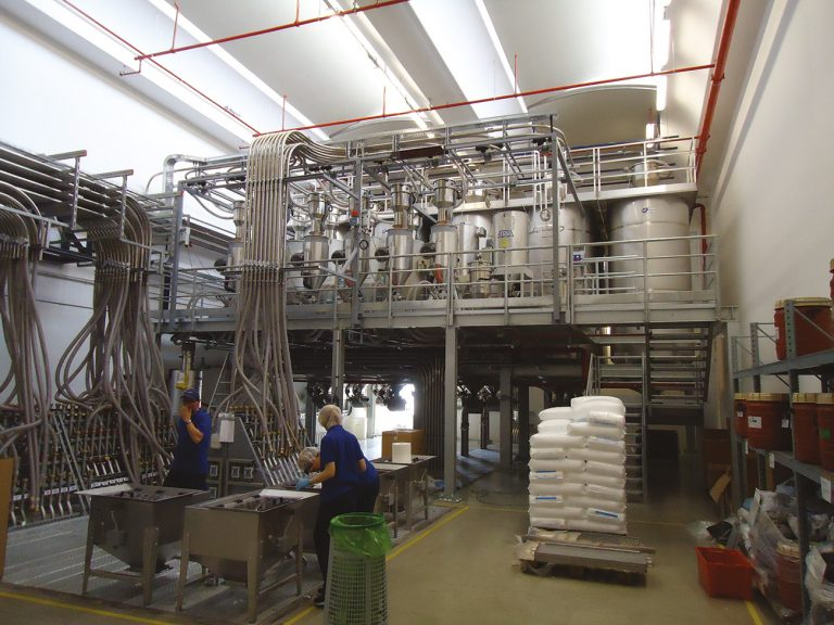 SMALL AISI 304 INDOOR SILOS WITH WEIGHING SYSTEM FOR THE FOOD INDUSTRY -