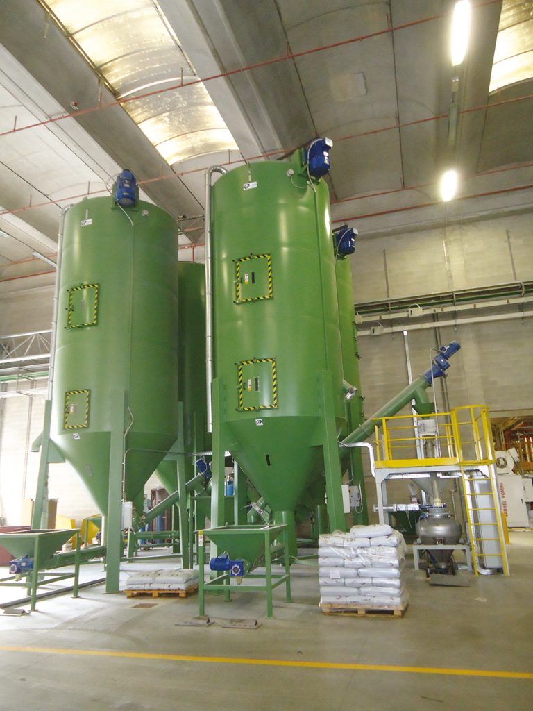 CENTRALISED MIXING PLANT WITH  SCREW CONVEYOR -