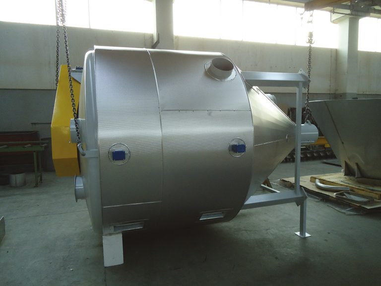INSULATED MIXER WITH  PREHEATING SYSTEM -