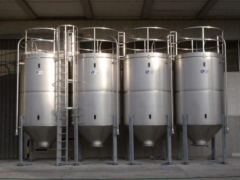 SMALL 12 M³ STAINLESS STEEL, INSULATED SILOS -