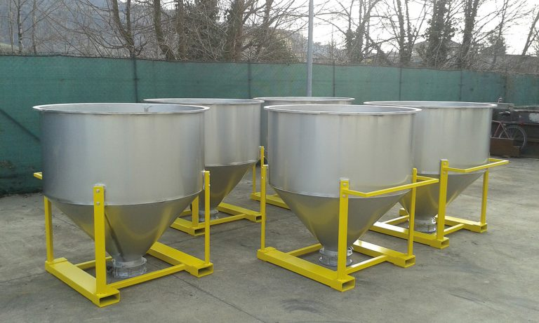 MOVABLE INDOOR VATS -