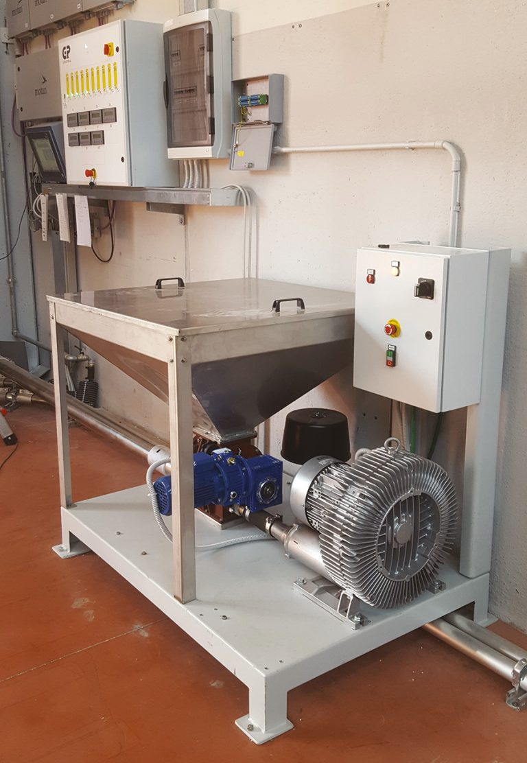 CENTRALISED LOADING ZONE FOR PNEUMATIC CONVEYORS -
